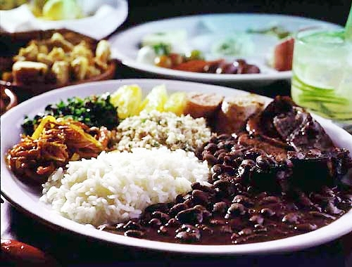 http://bizzarefoods.files.wordpress.com/2009/03/servire-feijoada.jpg